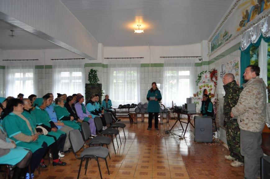 Заключённые 65-ой колонии купили бойцам батальона «Полтавщина» сапёрные лопатки и спальные мешки (ФОТО), фото-1