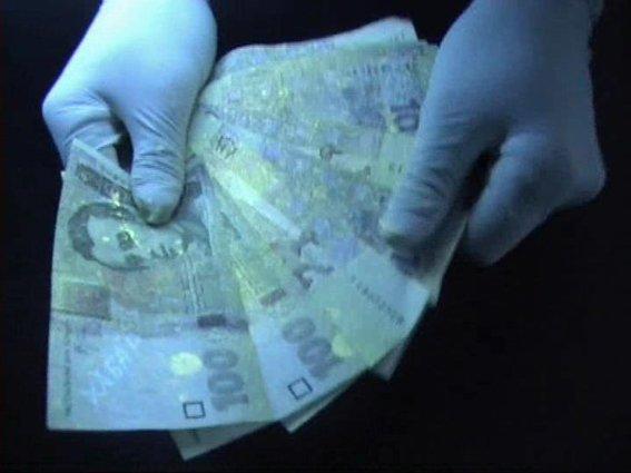 Рівненські УБОЗівці притягнули до відповідальності двох держслужбовців за отримання хабара (Фото), фото-2