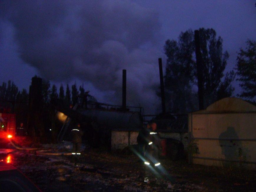 Этой ночью в Кременчуге горела цистерна с битумом (ФОТО), фото-2