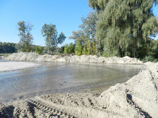 На ж/м Парус незаконно добывают песок? (ФОТО), фото-2