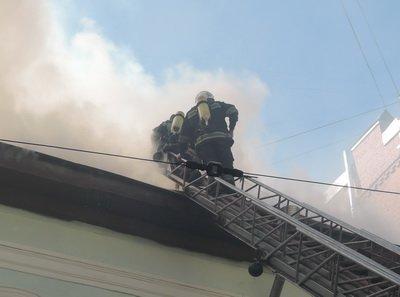 В центре Киева горело трехэтажное здание (ФОТО), фото-2