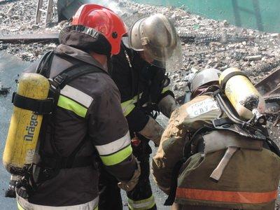 В центре Киева горело трехэтажное здание (ФОТО), фото-1