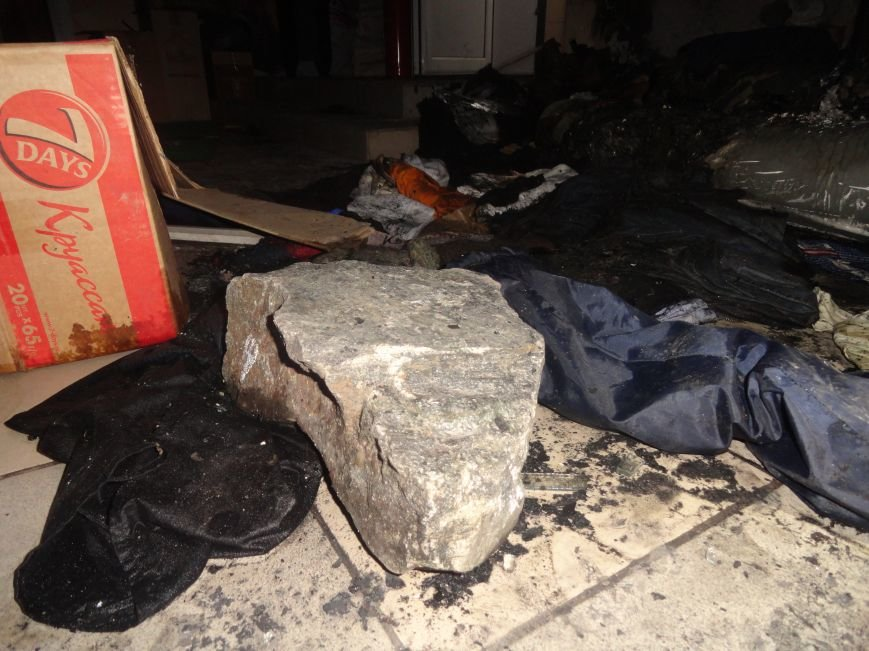 Подожгли офис волонтерской организации «Новый Мариуполь» (ФОТОРЕПОРТАЖ+ВИДЕО), фото-10