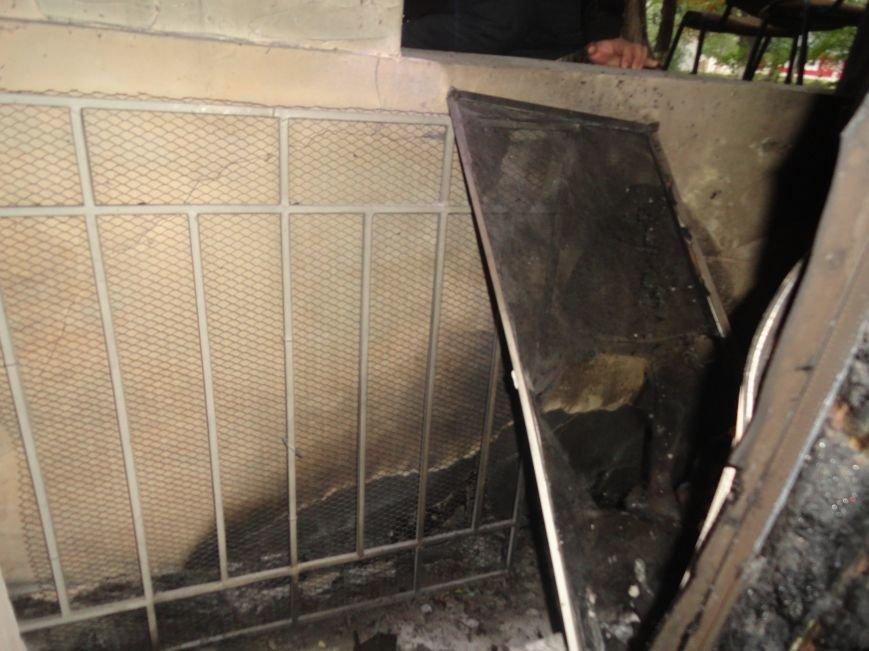 Подожгли офис волонтерской организации «Новый Мариуполь» (ФОТОРЕПОРТАЖ+ВИДЕО), фото-4