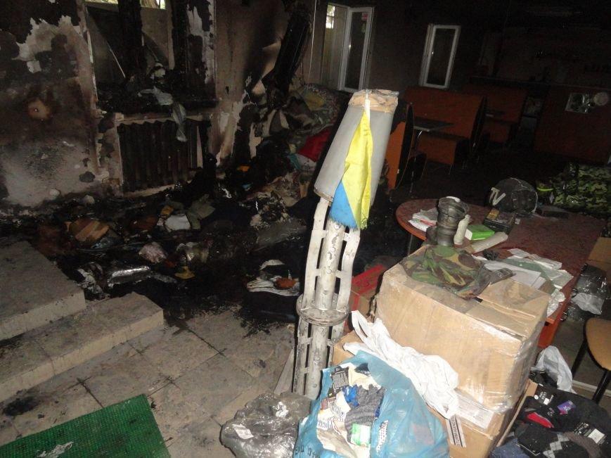 Подожгли офис волонтерской организации «Новый Мариуполь» (ФОТОРЕПОРТАЖ+ВИДЕО), фото-9