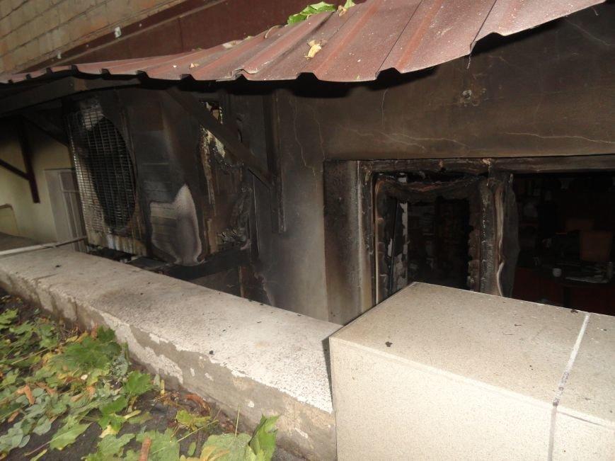 Подожгли офис волонтерской организации «Новый Мариуполь» (ФОТОРЕПОРТАЖ+ВИДЕО), фото-2