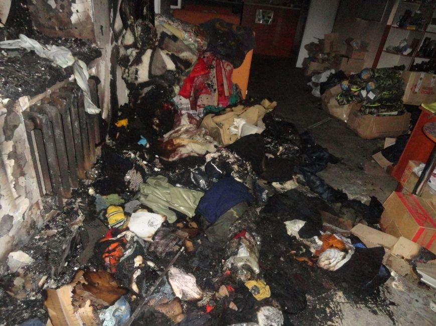 Подожгли офис волонтерской организации «Новый Мариуполь» (ФОТОРЕПОРТАЖ+ВИДЕО), фото-7