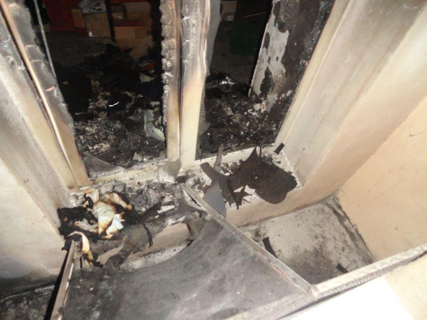 Подожгли офис волонтерской организации «Новый Мариуполь» (ФОТОРЕПОРТАЖ+ВИДЕО), фото-3