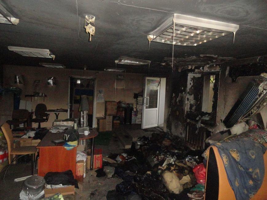 Подожгли офис волонтерской организации «Новый Мариуполь» (ФОТОРЕПОРТАЖ+ВИДЕО), фото-14