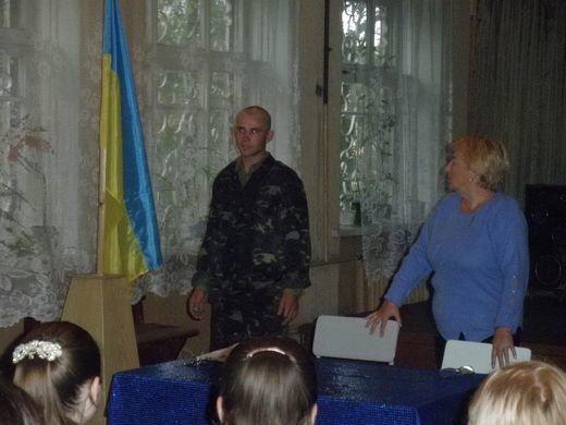 В Днепродзержинском центре по подготовке и переподготовке рабочих кадров состоялась встреча с бойцом АТО, фото-1