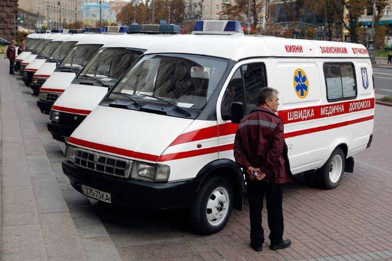Киев передал бойцам АТО 10 машин скорой помощи (ФОТО), фото-1