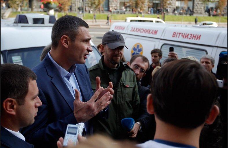 Киев передал бойцам АТО 10 машин скорой помощи (ФОТО), фото-4