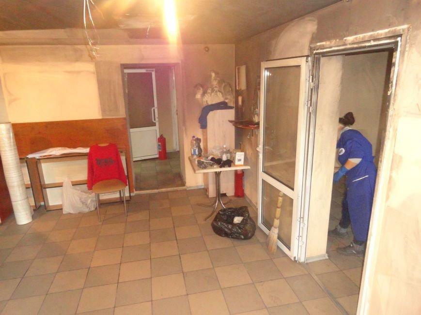 Волонтеры начали ремонт офиса «Нового Мариуполя» после пожара (ФОТОРЕПОРТАЖ+Видео), фото-5