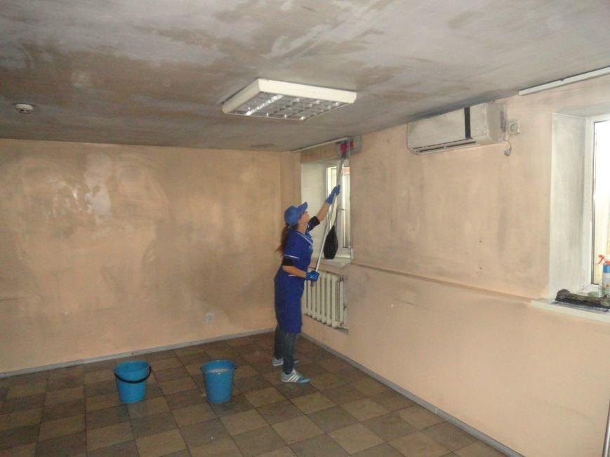 Волонтеры начали ремонт офиса «Нового Мариуполя» после пожара (ФОТОРЕПОРТАЖ+Видео), фото-2