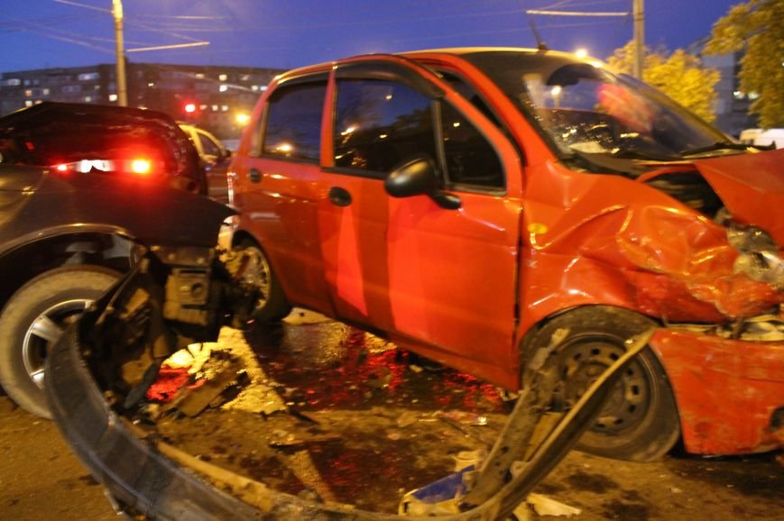Подрезал и скрылся: В Сумах на проспекте Лушпы крупная авария. Три пострадавших (ФОТО+ВИДЕО), фото-10