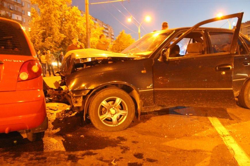 Подрезал и скрылся: В Сумах на проспекте Лушпы крупная авария. Три пострадавших (ФОТО+ВИДЕО), фото-11
