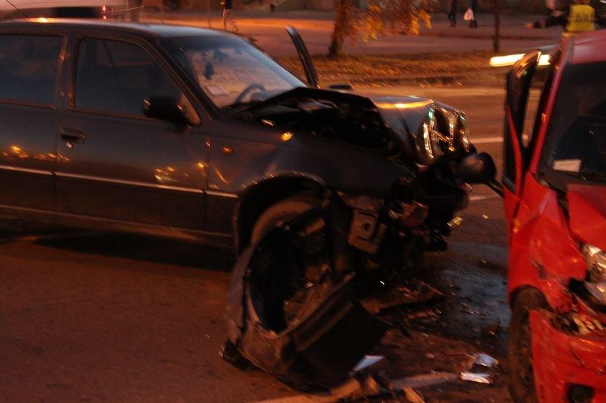 Подрезал и скрылся: В Сумах на проспекте Лушпы крупная авария. Три пострадавших (ФОТО+ВИДЕО), фото-5