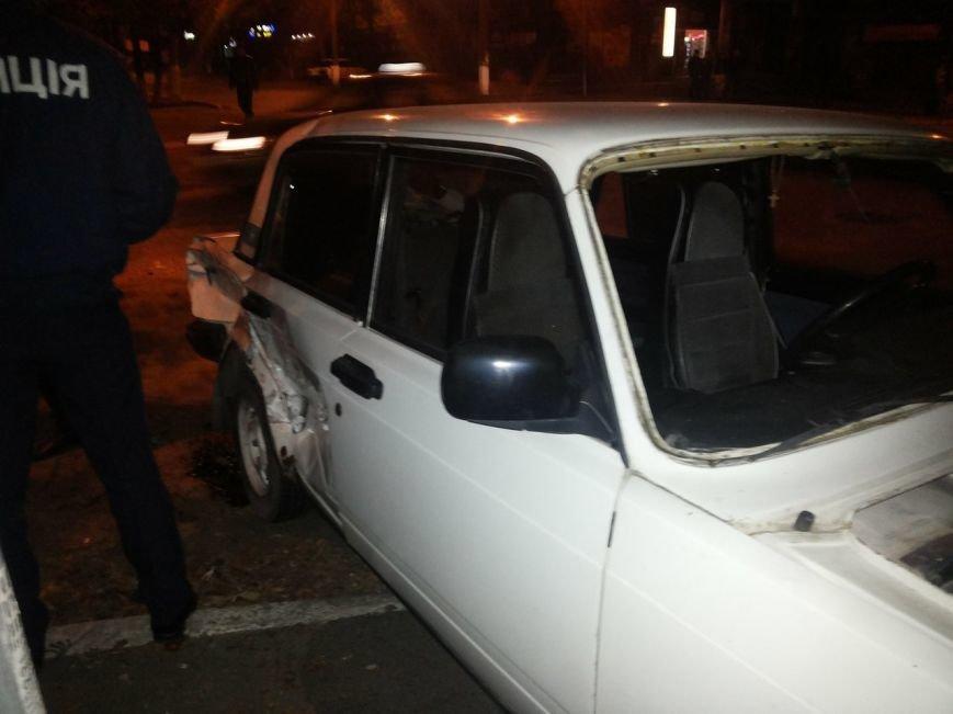 В Мариуполе столкнулись «Хонда» и «Жигули». Пострадала женщина (ФОТО), фото-2