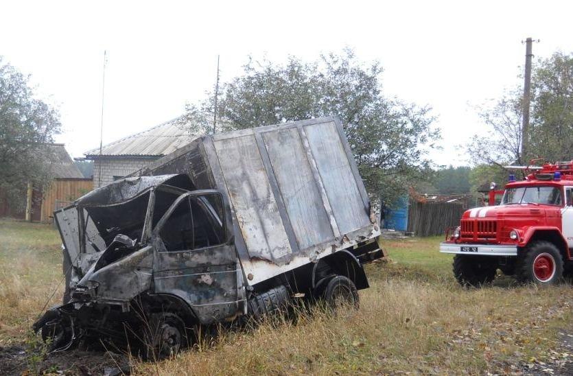 На Сумщине очевидцы аварии вытащили водителя из горящего грузовика (ФОТО), фото-2