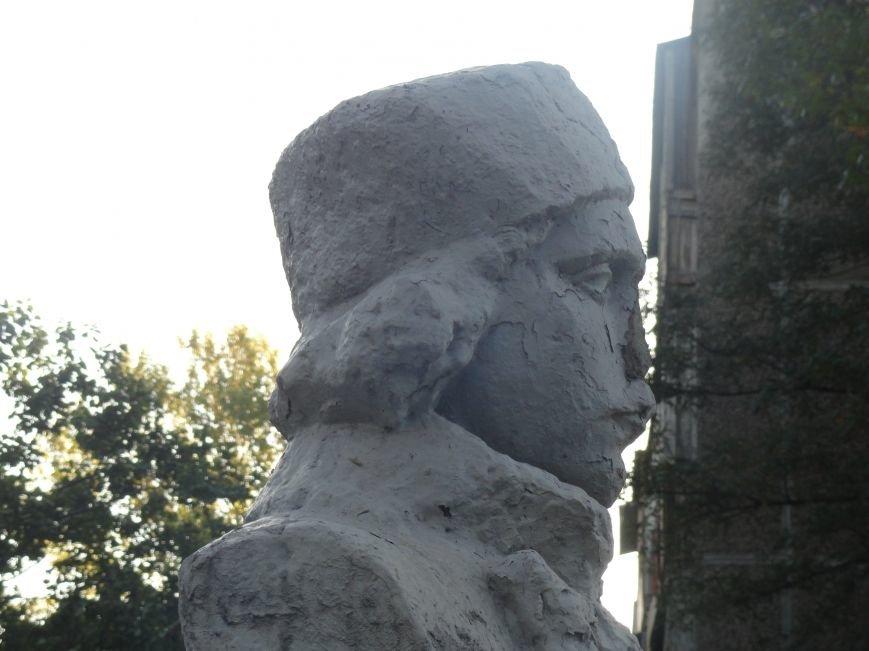 Еще один памятник в Мариуполе подвергся нападению вандалов (ФОТО), фото-2