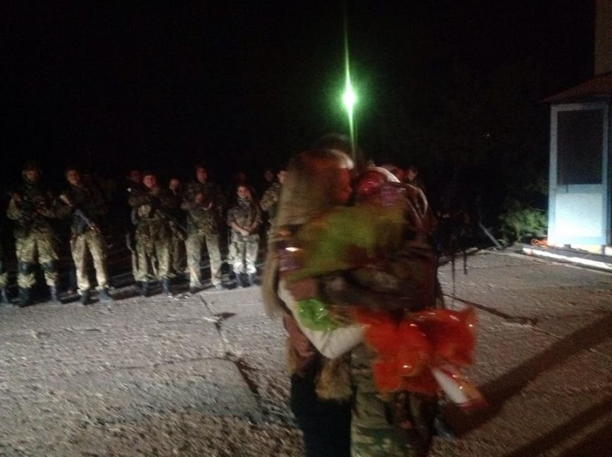 """В Мариуполе боец батальона """"Святая Мария"""" сделал предложение девушке-волонтеру (ФОТО), фото-2"""