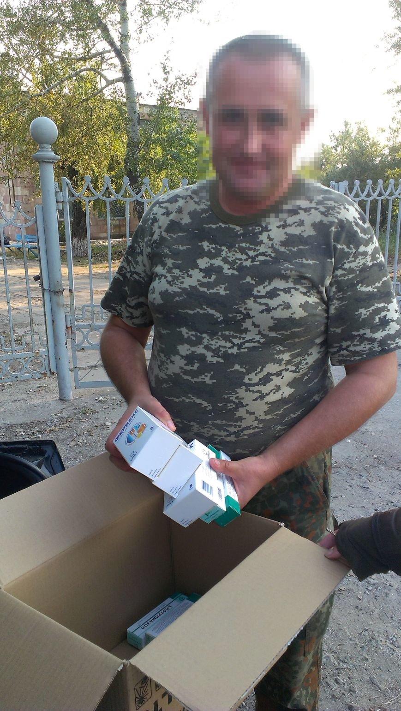 Волонтеры из Киева обеспечили военных в Мариуполе медикаментами (ФОТО), фото-1