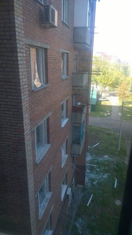 В Донецке из-за артобстрела погибли двое мирных граждан, разрушены дома (ФОТО), фото-2