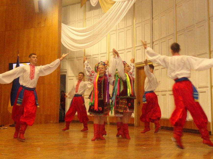 Мариупольский государственный университет чествовал своих новых первокурсников (ФОТО), фото-4