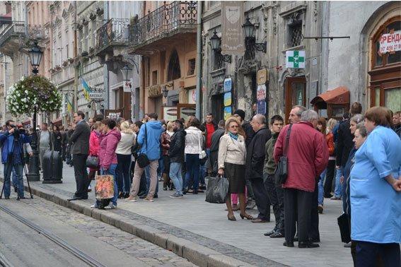 У Львові розшукують аноніма, який повідомив про замінування міськради (ФОТО), фото-4