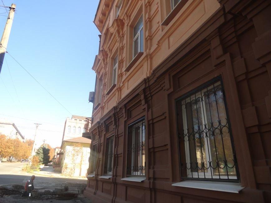 В Мариуполе здание ПГТУ, служившее казармой сторонников ДНР обрело новое лицо (ФОТОРЕПОРТАЖ), фото-5