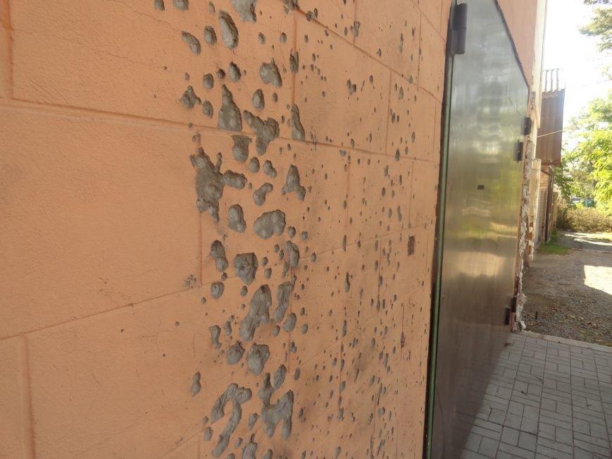 В Мариуполе здание ПГТУ, служившее казармой сторонников ДНР обрело новое лицо (ФОТОРЕПОРТАЖ), фото-7
