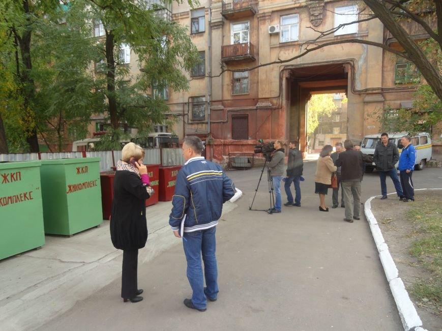 Мариупольцев пытаются приучить к европейской системе сортировки мусора (ФОТО), фото-5