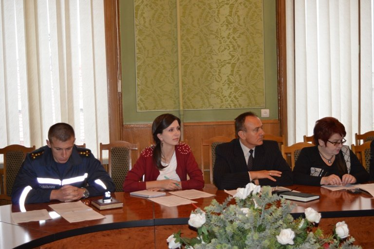 У Чернівцях обговорили питання щодо ліцензування та атестації навчальних закладів, фото-2
