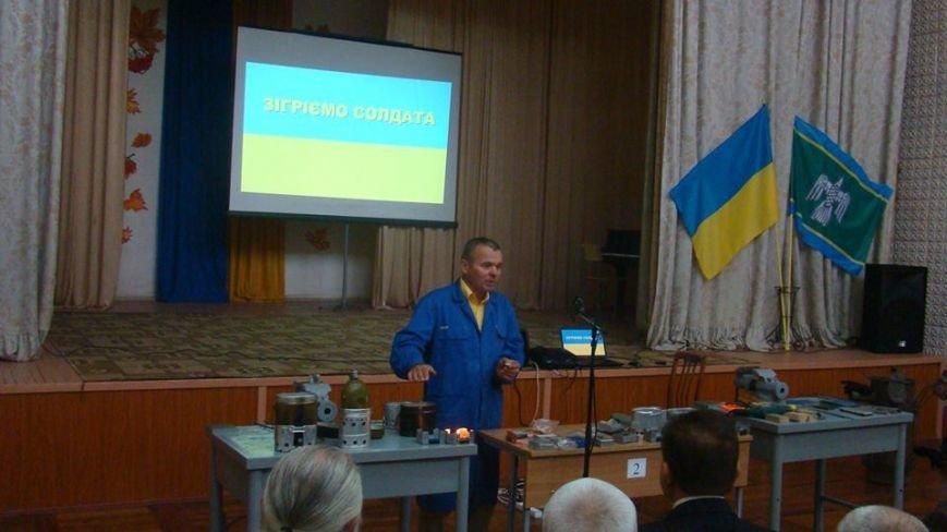 У Чернівцях провели майстер-клас  «Виготовлення пічки-обігрівача для солдата», фото-3