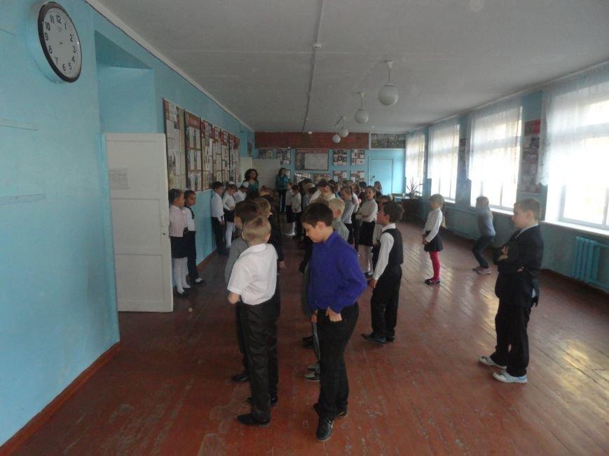 У мариупольских педагогов конфетно-букетный период (ФОТОРЕПОРТАЖ), фото-6