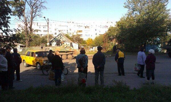 В Авдеевке БМП влетел в дом (ФОТО, ВИДЕО), фото-5
