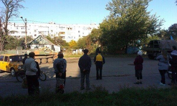 В Авдеевке БМП влетел в дом (ФОТО, ВИДЕО), фото-4