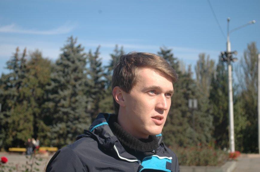 ФОТОФАКТ: запорожского Ленина спасла от сноса вышиванка, фото-5