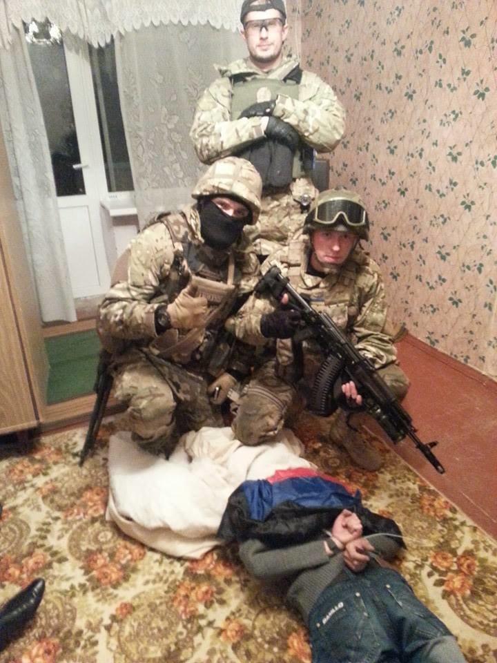 Бойцы «Азова» задержали дезертиров Нацгвардии (ФОТО), фото-1