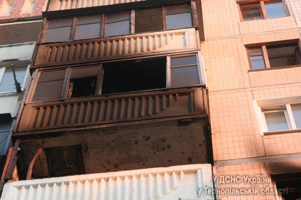 У Тернополі через пожежу у багатоповерхівці 31 людину було евакуювано (фото, відео), фото-8