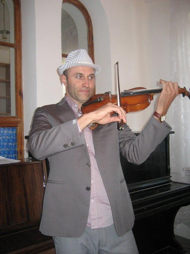 11 Евпатория, синагога. небольшой концерт после праздничной молитвы IMG_6210