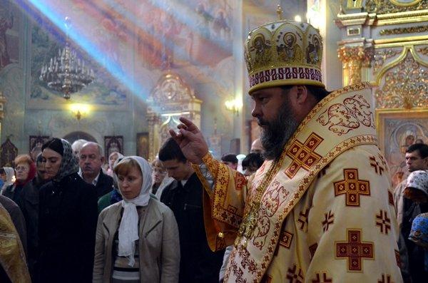 В Спасо-Преображенском кафедральном соборе Кривого Рога помолились об избавлении людей земли украинской от междоусобной брани, фото-4