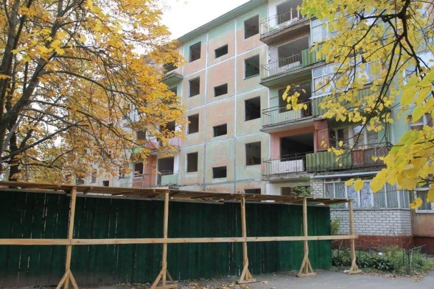 Власти Чернигова не помогают в разборке разрушенных подъездов взорванного дома, фото-1