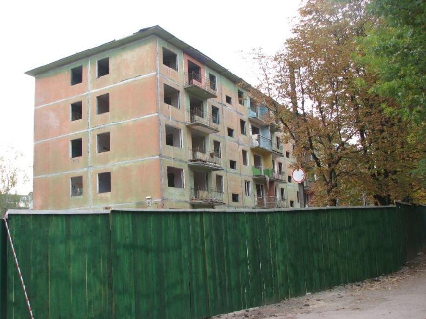 Власти Чернигова не помогают в разборке разрушенных подъездов взорванного дома, фото-2