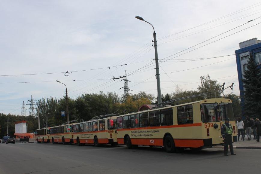 «АрселорМиттал Кривой Рог» отремонтировал городские троллейбусы (ФОТО), фото-5