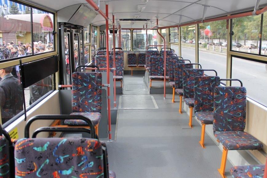 «АрселорМиттал Кривой Рог» отремонтировал городские троллейбусы (ФОТО), фото-8