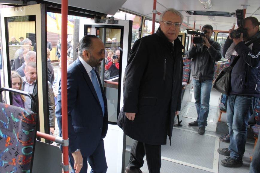 «АрселорМиттал Кривой Рог» отремонтировал городские троллейбусы (ФОТО), фото-3