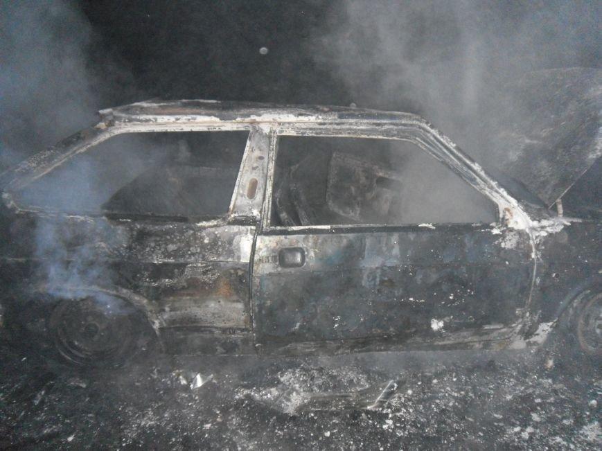 Ночью на левом берегу Днепродзержинска сгорел автомобиль, фото-2