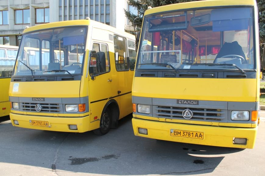 В Сумах перевозчики опять  «продают» маршрутки на пл. Независимости (ФОТО), фото-4