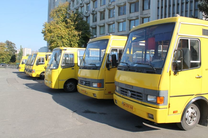 В Сумах перевозчики опять  «продают» маршрутки на пл. Независимости (ФОТО), фото-3